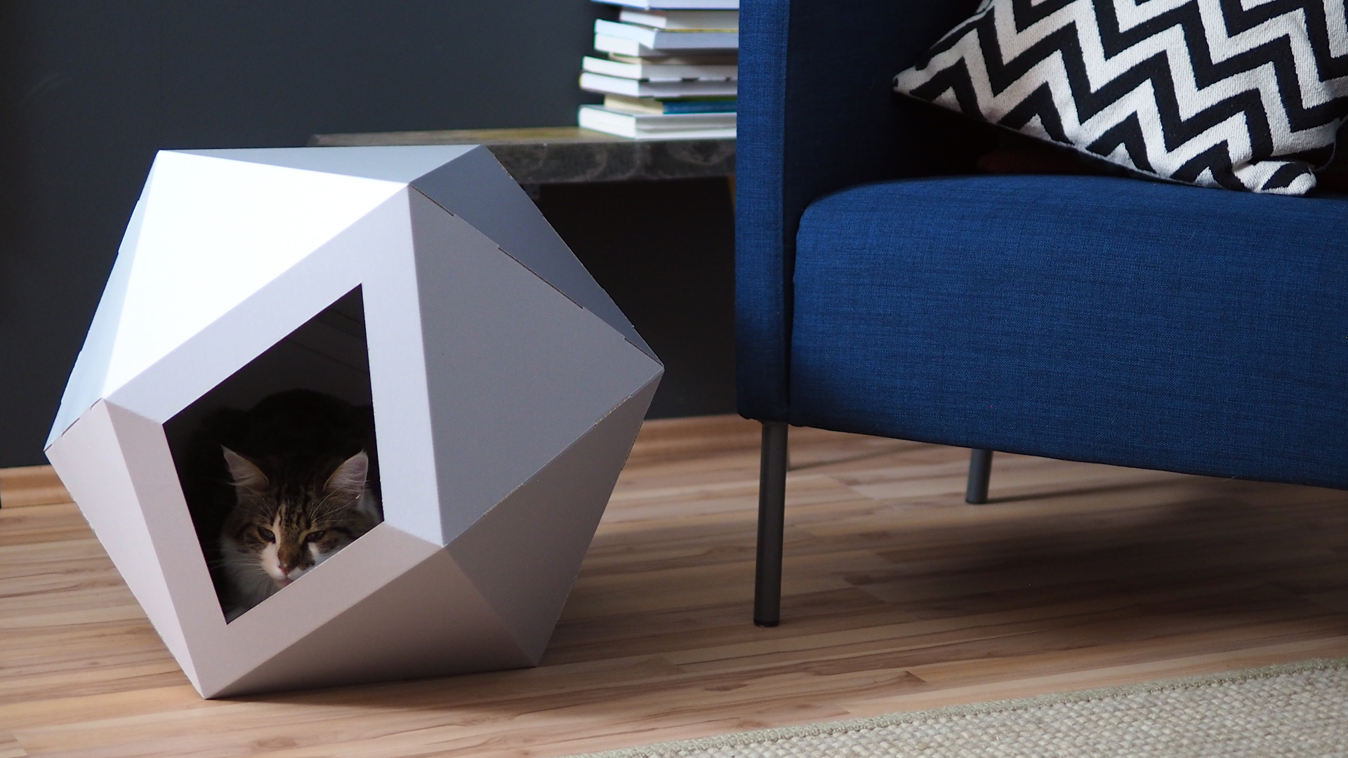 cat box das geometrische katzenhaus. Black Bedroom Furniture Sets. Home Design Ideas